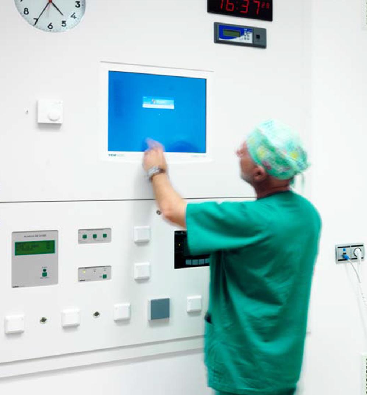 revêtement mural solid surface bloc opératoire - CHU - CLINIQUE - HOPITAL