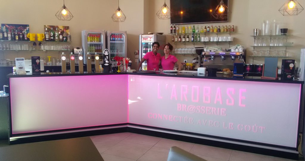 Bar l'Arobase - Mobilier Bar rétro-éclairé